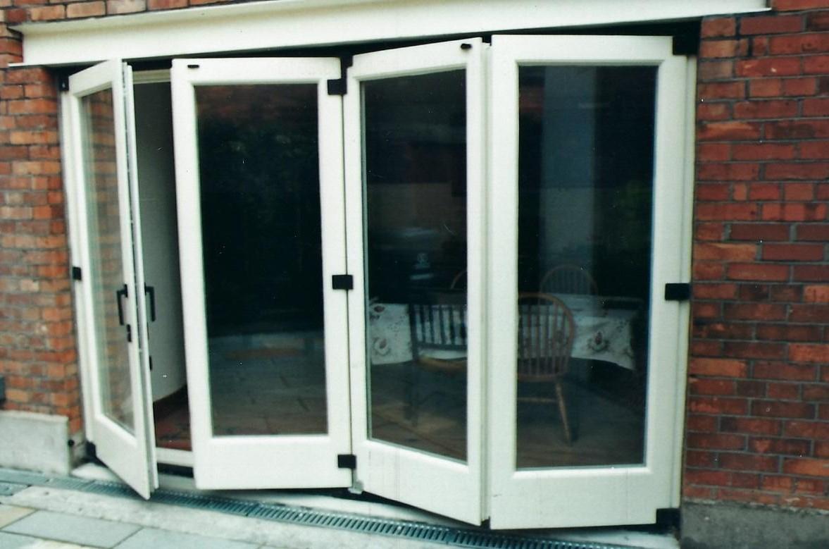 Sapele Bi-Fold Doors