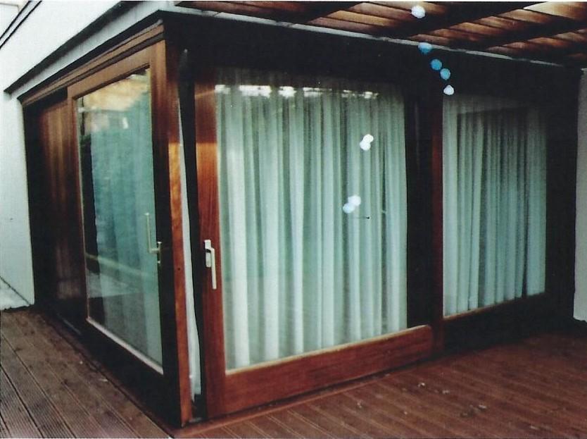 Sapele Corner Sliding Doors
