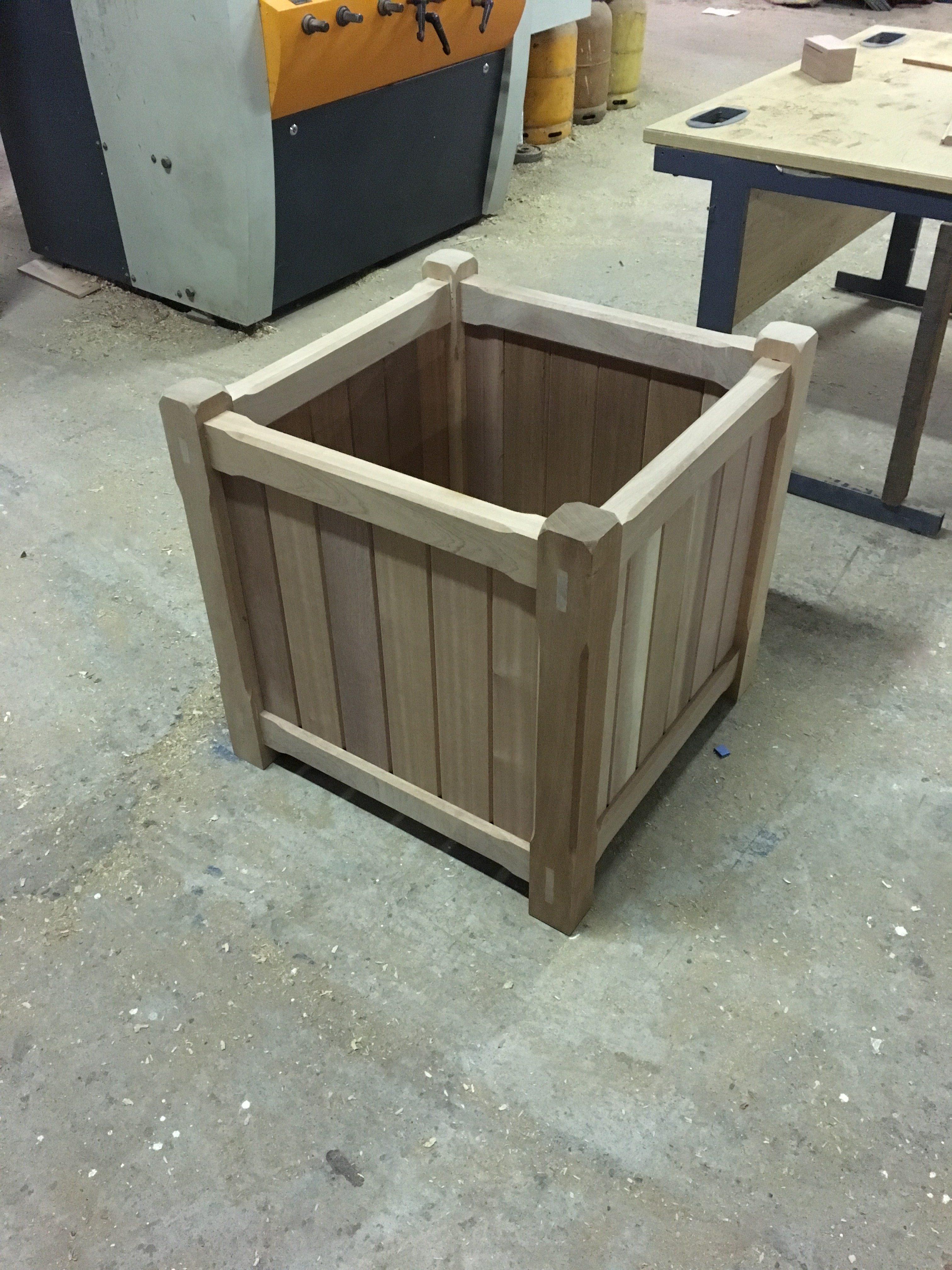 Mahogany Flower Box
